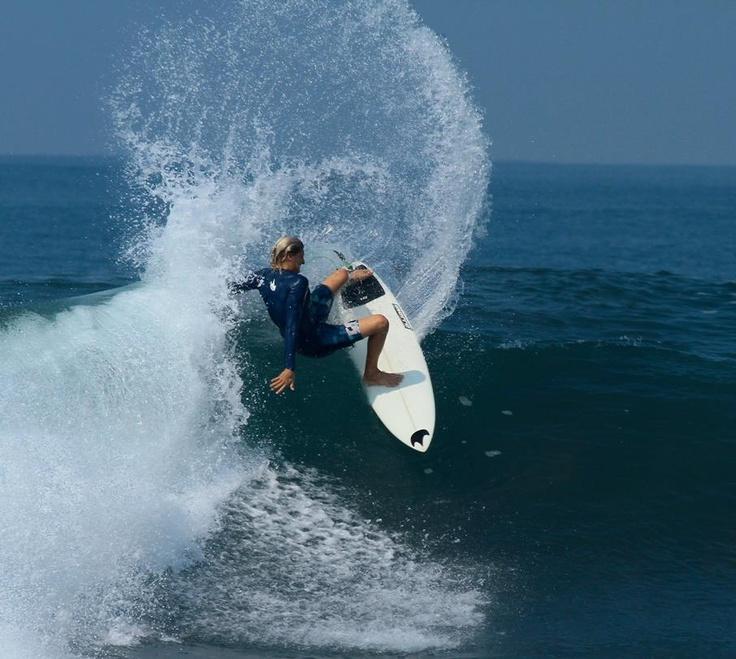 Travis layback #surfing #surf #pawa #waves #ocean #layback #powersurf #pawasurf #mainland