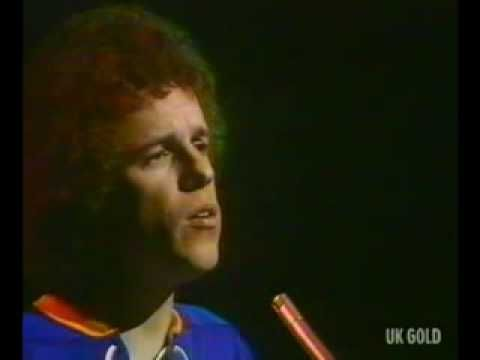 May 14th (1977): When I Need You, Leo Sayer.   Leo Sayer went to No.1 on the US singles chart with the Albert Hammond and Carole Bayer Sager song 'When I Need You', the singers second US No.1, also No.1 in the UK.    www.thisdayinmusic.com