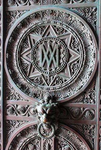 La porte d'entrée de Notre Dame de la Garde, Marseille@@