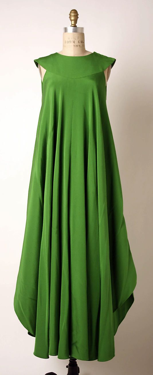 Green silk evening dress .