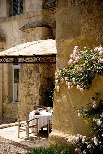 I love the rich warm shades that come with the old world charm. What a lovely place to find rest and refreshment!
