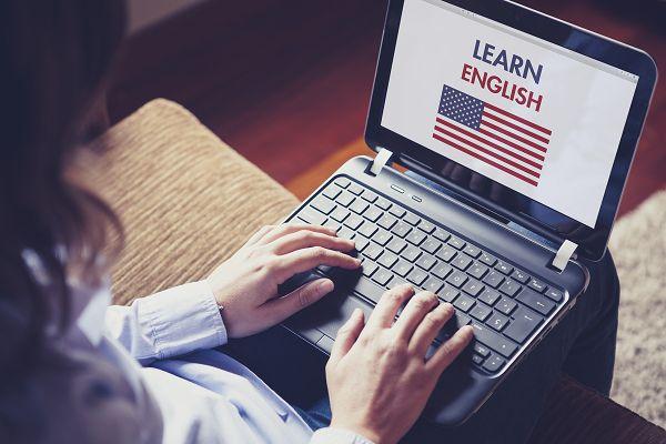 ENTENDA COMO O INGLÊS PODE FAZER SUA CARREIRA DECOLAR Não é de hoje que o #inglês é um diferencial no mercado de trabalho, já podendo ser considerado uma obrigação. Veja agora como o conhecimento desse #idioma pode abrir portas na sua #carreira.... Leia mais clicando na imagem: