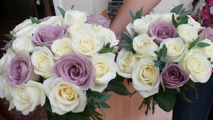 Bride and bridesmaid bouquet of Avalanche and Amnesia roses