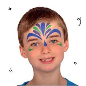 #Carnaval. Look azul y verde. Rellenar Con la misma pintura azul royal y un pincel, pinta una pequeña lágrima en la parte superior de la nariz. Luego, usando el color verde lima, añade detalles en la frente y debajo de los ojos. Añade más detalles con la pintura morada.