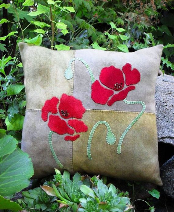 "PATTERN - Primitive Folk Art Wool or Craft Felt Applique Pillow - ""Absolutely Poppies"" (Pattern No. AP-105)"