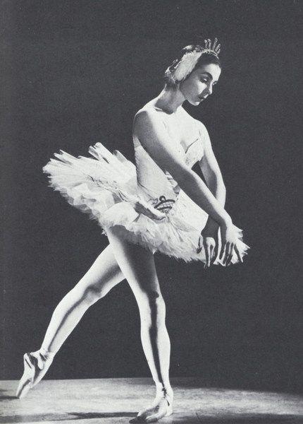 Lynn Seymour in Swan Lake #ballet