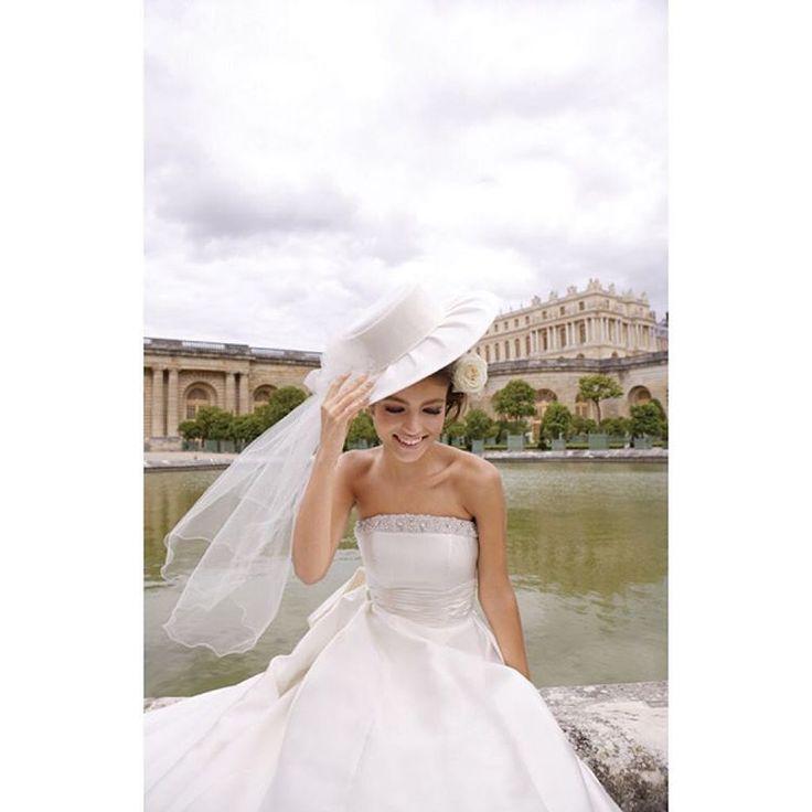 フォーシスアンドカンパニー 大きなハットにウエストの大きなリボンがキュートなこちらのドレスもご予約受付中です  こちらのドレスをご希望の方はお電話でフォーシスアンドカンパニーのNo.03-0030とお伝え頂くとスムーズです  ご試着予約ご相談は.  @beautybride_weddingdress 0120-511-530   BeautyBrideを通じてドレスを予約するとお得にレンタルできる特典ございます  @foursis_official  #フォーシスアンドカンパニー #ドレス迷子 #花嫁会 #日本中のプレ花嫁さんと繋がりたい #カラードレス #お色直し #ドレス試着 #ドレスレポ #ウェディングドレス #ちーむ0415 #ちーむ0429 #ちーむ0408 #ちーむ0422 #ちー0423 #ちーむ0521 #ちーむ0513 #ちーむ0503 #ちーむ0527 #ちーむ0506 #ちーむ0528 #ちーむ0618 #ちーむ0610 #ちーむ0603 #ちーむ0624 #ちーむ0604 #2017秋婚