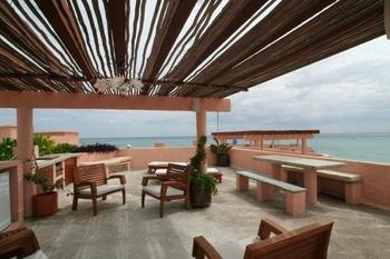 Playa del Carmen, Quintana Roo: Sleeps 6-8 Penthouse  PDF available with more info and photos  Prices/Availability Subject to Change  Without Notice   Tax...