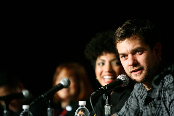 "Joshua Jackson Photos - Actor Joshua Jackson speaks at panel discussion for FOX's ""Fringe"" at NY Comic-Con 09 at Jacob Javits Center on February 8, 2009 in New York City.  (Photo by Amy Sussman/Getty Images for Fox) * Local Caption * Lance Reddick;Jasika Nicole;John Noble;Blair Brown;Joshua Jackson - Stars of Foxs ""Dollhouse"" And ""Fringe"" Sign Autographs At NY Comic-Con 09"