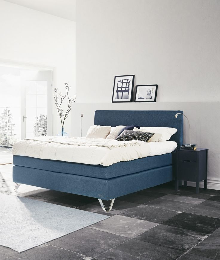 Jensen Signature J4 continental bed in Aqua textiles.