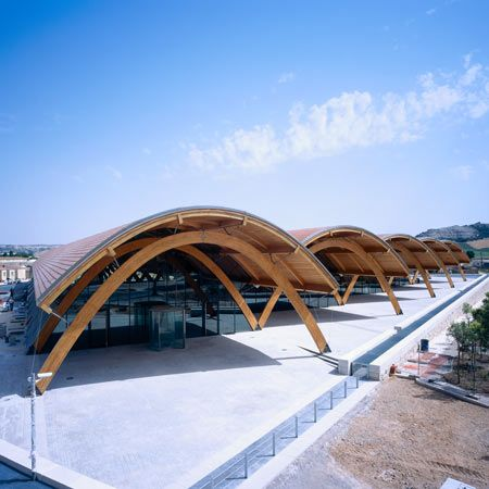 Bodegas Protos Valladolid, Spain   / Richard Rogers + Alonso y Balaguer