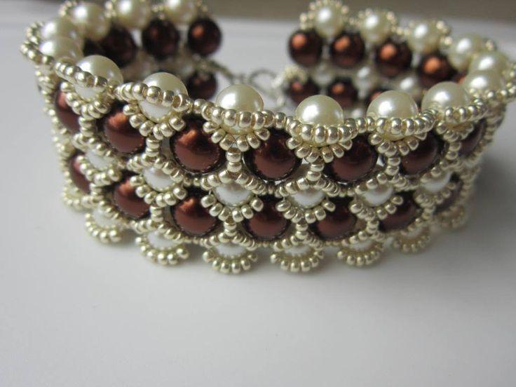 Beaded Bracelet with 8mm and 6mm Glass Pearl  . Бисерный Браслет из 8мм ...