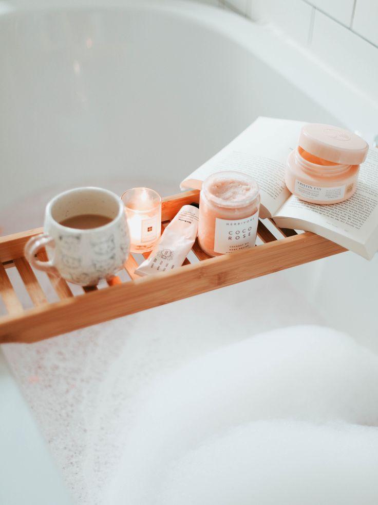 The Perfect Bath Setup. http://www.katelavie.com/2017/11/perfect-bath-setup.html