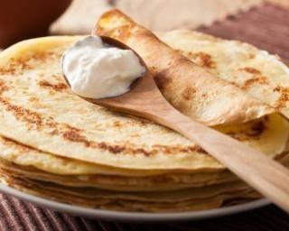 Crêpes natures au fromage blanc 0% : http://www.fourchette-et-bikini.fr/recettes/recettes-minceur/crepes-natures-au-fromage-blanc-0.html
