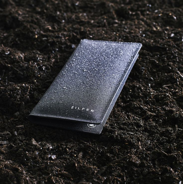 Zilfer 'Active-Proof' Phone Wallet getting wet and dirty