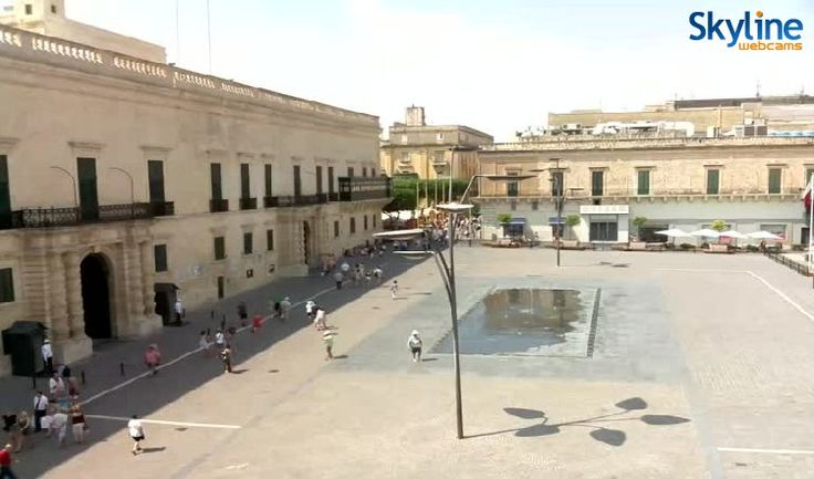 Live Cam St. George's Square, The Palace - Valletta