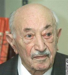 Simon Wiesenthal dies September 20, 2005 after many years of trying to catch Nazis
