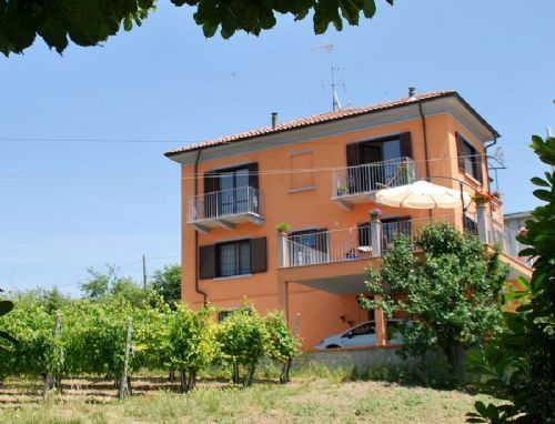 Villa I due Padroni in the vineyards of Lombardy in the North of Italy.  vakantiehuis italie, Bed en Breakfast italie