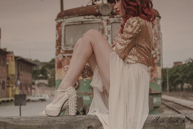 Studded Heels via stylowebuty.pl