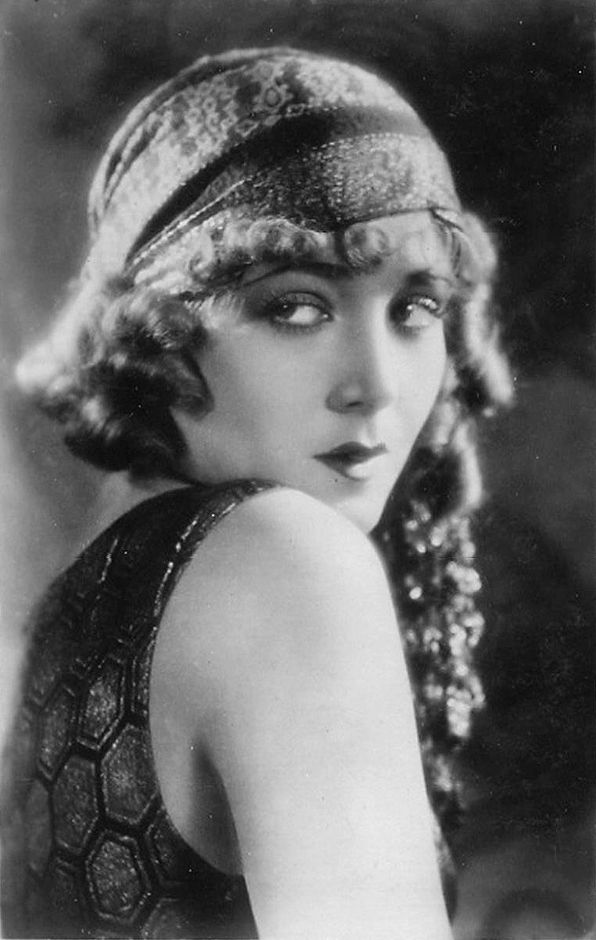 17 Images About Women Of The Big Screen 1920 S 30 S