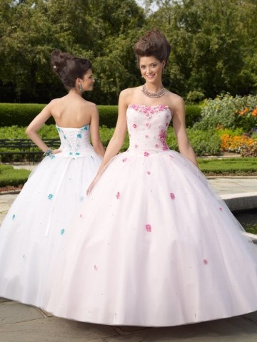 I just want to wear this and go to a ball.  :-)