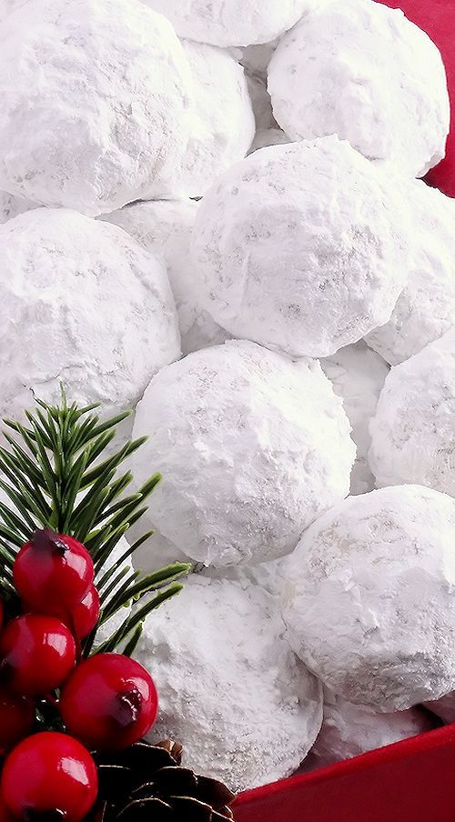 Snowball Christmas Cookies ~ Simply the BEST! Buttery, never dry, with plenty of walnuts for a scrumptious melt-in-your-mouth shortbread cookie (also known as Russian Teacakes or Mexican Wedding Cookies).