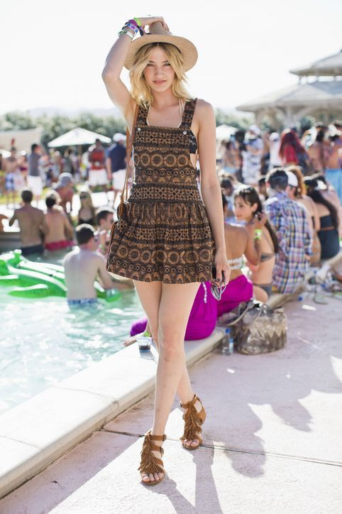 Coachella Fashion 2013: 30 Cute Summer Outfit Ideas  Love the overall look with the hat to top it off
