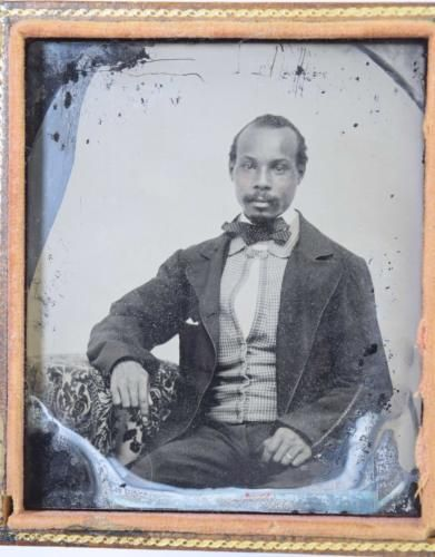 Rare-AFRICAN-AMERICAN-AMBROTYPE-1-6th-TINTED-CHEEKS-c1850s-Civil-War-Era-Photo