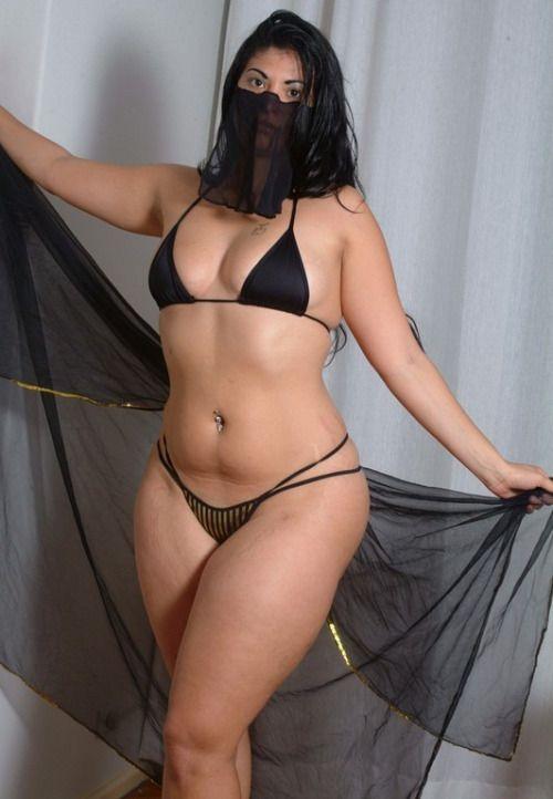 big hip persian women