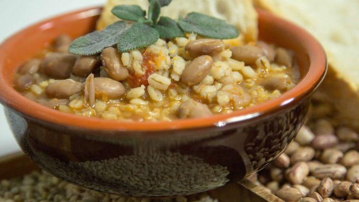 Zuppa di Fagioli con Orzo