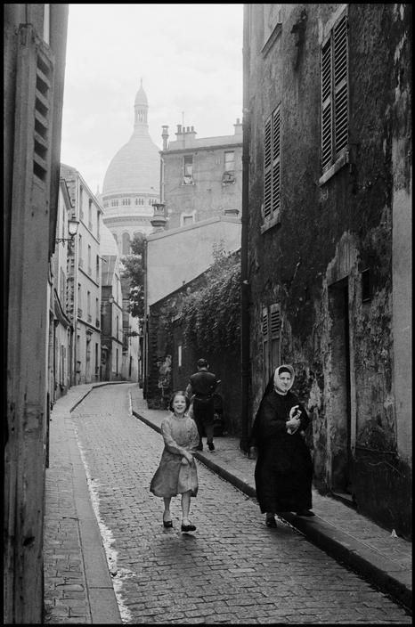 Inge Morath - France. Paris. 1957. Montmartre with Sacre-Coeur in the background. © The Inge Morath Foundation. S)