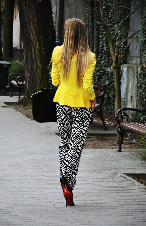 yes, yes. Yellow black and white geo print pants and louboutins....my kinda street style