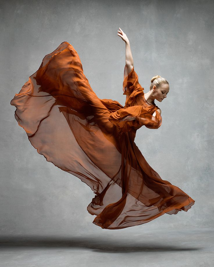 Danse Robe Saut - voile mouvement aerien / Charlotte Landreau Martha Graham | Dresses by Leanne Marshall