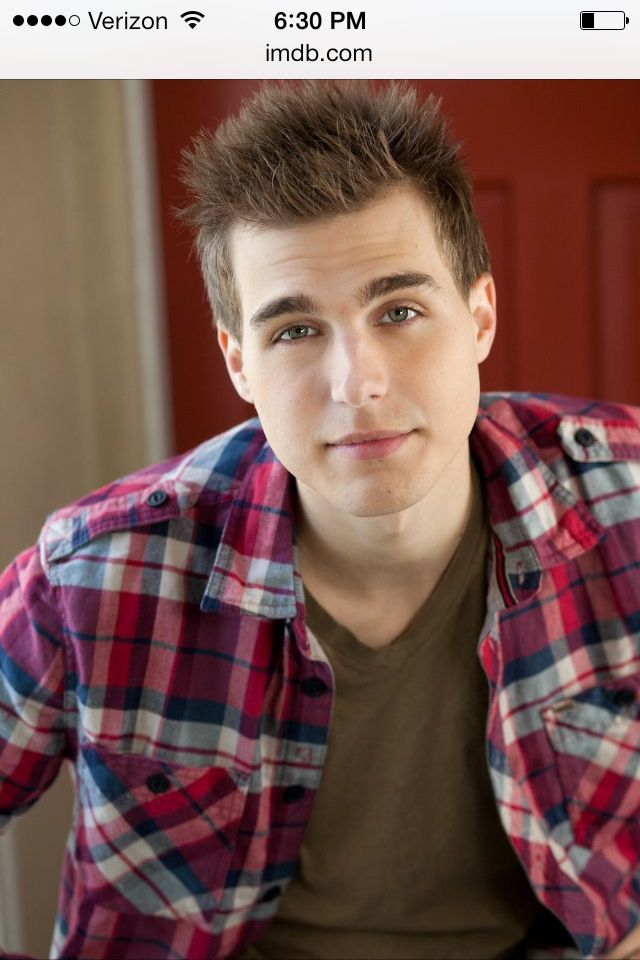 Oh yes who remembers Jake/Leslie from Hannah Montana? Look at him now OMG  Cody Linley