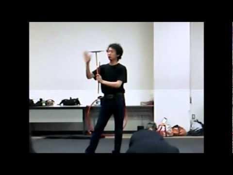 Japanese guy has crazy platespinning skills