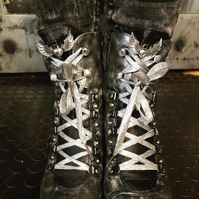 #evileve #evilevedesign at work... #shoes #shoesaddict #ootd #fashionista #instafashion #angelwings