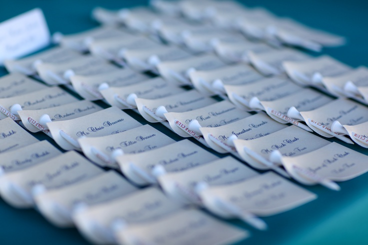 Placecards with golf tees for our golf club wedding