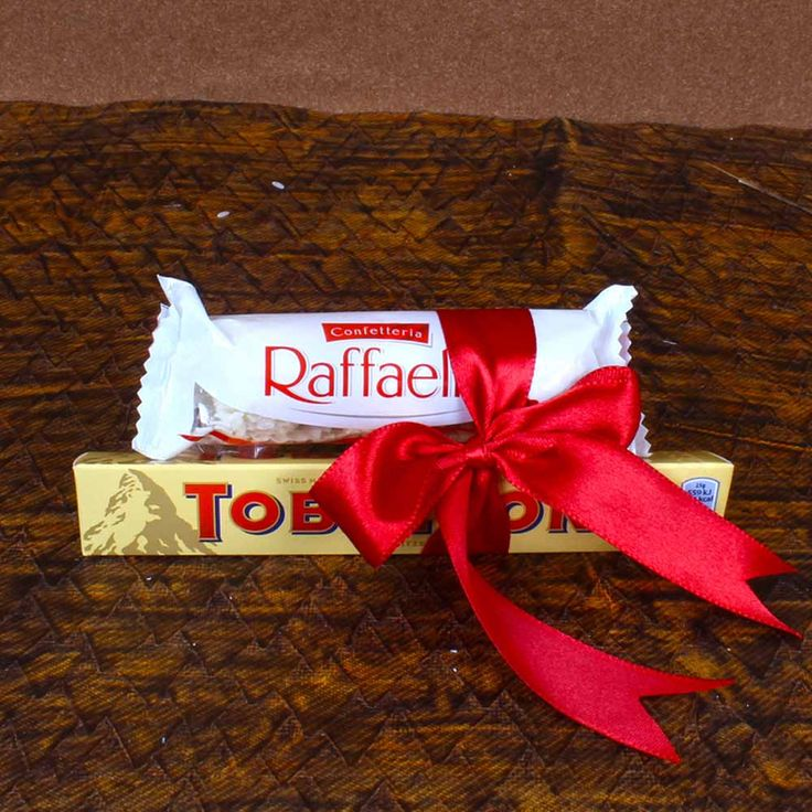 Find delicious chocolate and cookies from our online store at Tajonline.com. For more information click here: http://www.tajonline.com/gifts-to-india/gifts-GAI67.html