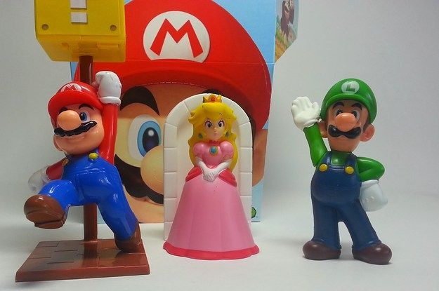 MARIO AND LUIGI SAVE PRINCESS PEACH FROM MONSTER AND REVIEW OF MCDONALDS HAPPY MEAL TOYS
