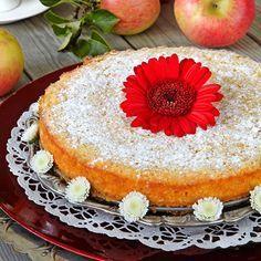 En himmelskt god äppelkladdkaka som är enkel att göra.