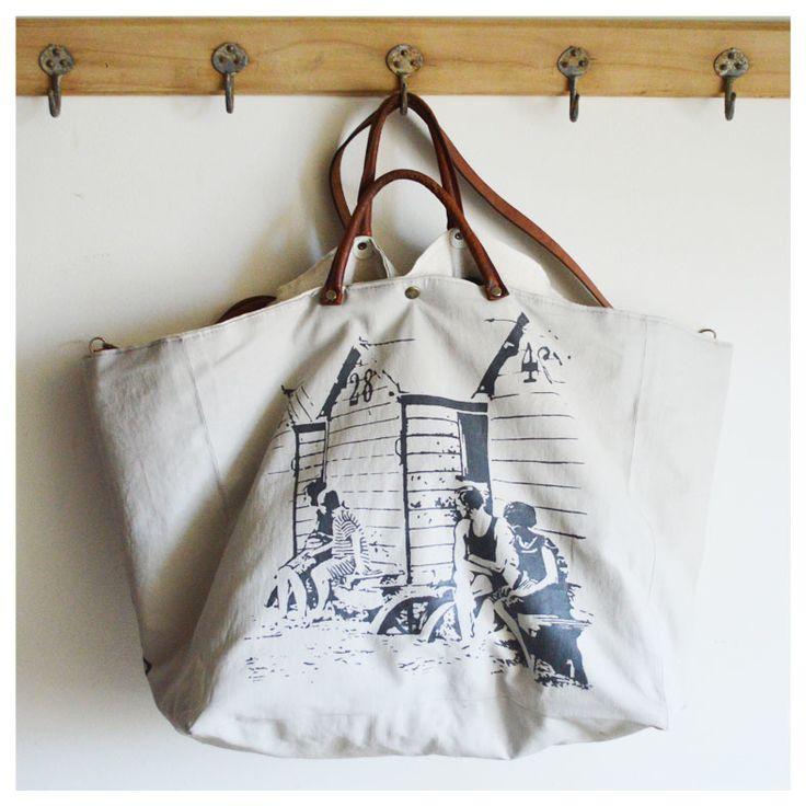 Grand sac Cabas confectionné dans un lin enduit souple gris