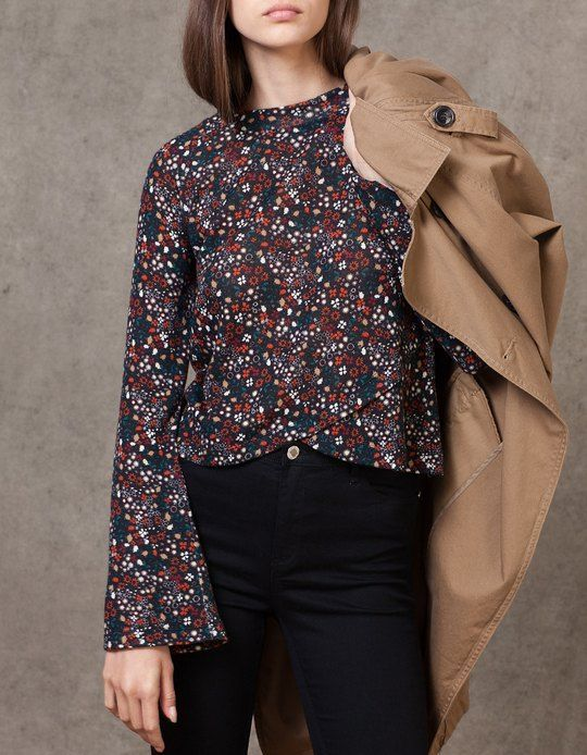 At Stradivarius you'll find 1 Print bell sleeve top for woman for just 149.9 HRK . Visit now to discover this and more T-SHIRTS.