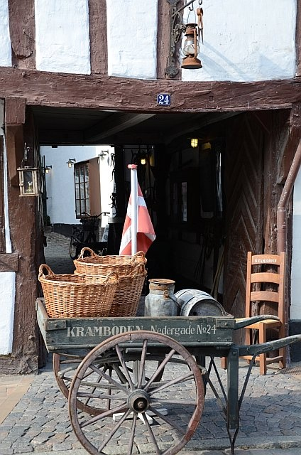 A little shop in the old part of town, filled with all sort of old school things!