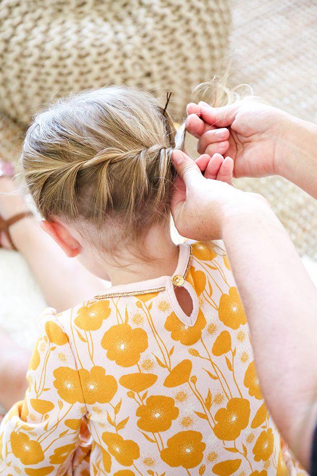 twisting hair into braid