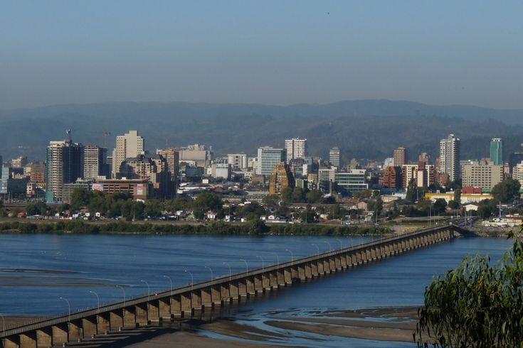 Ciudad de Concepción, junto al río Bío-Bío.