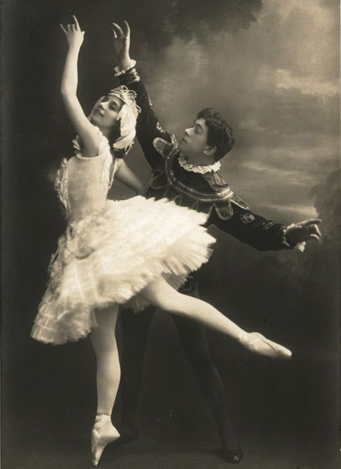 "Anna Pavlova and Nicholas Legat in ""Swan Lake"" - Early ..."