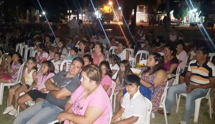Cine móvil en Nueva Esperanza y en Forres Los interesados deben solicitarlo gratuitamente en las oficinas de la Dirección General de Cultura.