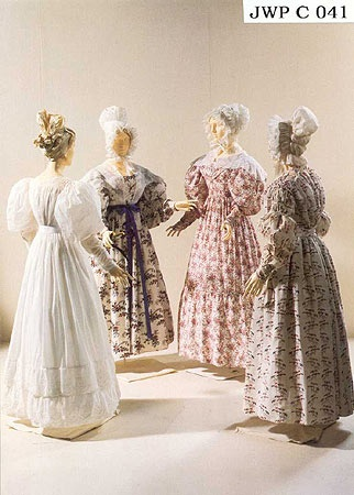 1830 extant dresses, fabric patterns