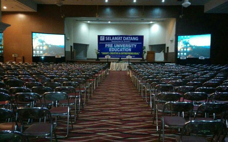 Support event @Universitas Indonusa esa unggul , sewa proyektor 5000 Lumens & screen 2x3m . Butuh rental multimedia? Hub kamu Pusat Sewa Call 081287180855 or click http://www.pusatsewa.co.id / http://www.sewa-projector.com