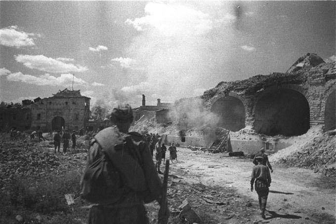 Оборона Брестской крепости: сложные вопросы
